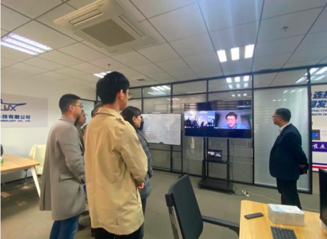 苏州市科技局局长张东驰一行莅临智巢孵化器进行调研指导